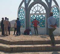 گنبد یادمان شهدای گمنام بخش احمدی نصب شد